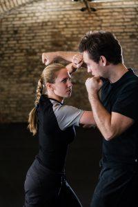 Effective Self Defense, taught by a team of instructors at Yamas.org in Vienna. Effektive Selbstverteidigung mit Krav Maga und Co am Self Defense Tuesday